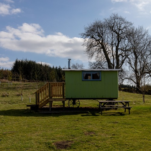 Blackberry Hut Cosy accommodation just right for twoat Glenshee Glamping